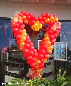 A balloon heart full of love!  www.partyfiestadecor.com
