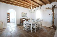 House of Turquoise: Mykonos Panormos Villas + Fun News! Bedroom Vintage, Modern Bedroom, Greek Bedroom, Mansion Rooms, Big Bedrooms, Greek House, House Of Turquoise, Beautiful Dining Rooms, Interior Decorating