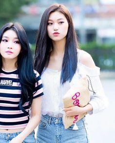 ioi kim doyeon Korean Girl, Korean Idols, Choi Yoojung, Kim Sejeong, Jeon Somi, Sims 4 Clothing, Cosmic Girls, Beautiful Asian Women, New Girl