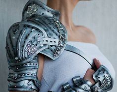 This model of sleeve creates full LARP-armour together with LETHER BELT-SKIRT https://www.etsy.com/ru/listing/209568354/medieval-gladiator-spartacus-leather?ref=shop_home_active_6  SHIELD https://www.etsy.com/ru/listing/250286393/shield-armor-steel-medieval-buckler?ref=shop_home_active_7  LEG GREAVES https://www.etsy.com/ru/listing/250281495/spartacus-leg-greaves-steel-armor?ref=shop_home_active_8  _______________________________________ ITEM DESCRIPTION:  * Single sleeve * Steel armor is…