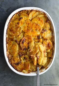 This creamy cheesy Bacon Potatoes au Gratin recipe is a hearty side dish that is the perfect compliment to pork, beef or chicken. And it is so easy to make! Potatoes Au Gratin, Cheesy Potatoes, Potato Dishes, Potato Recipes, Bacon Potato, Dinner Dishes, Side Dishes, Meatloaf Recipes, Casserole Dishes