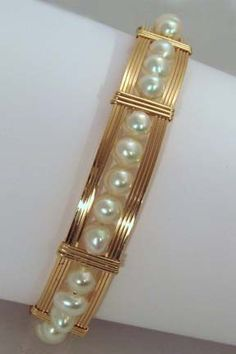 Renaissance wirewrapped jewelry