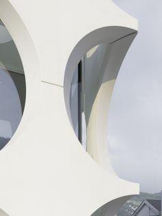 O House / Philippe Stuebi