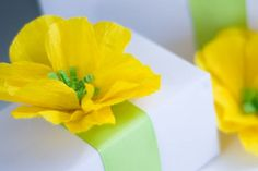 Crepe paper flower {tutorial}