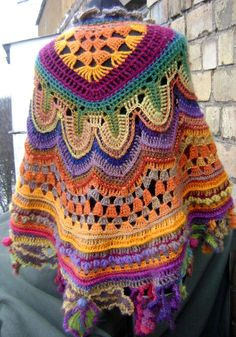 Crochet Capa - Salvabrani - absurd knitted ideas Crochet Capa - Salvabrani - absurd, Record of Knitting Yarn spinning, weaving and sewing jo. Mode Crochet, Crochet Poncho Patterns, Crochet Coat, Crochet Shawls And Wraps, Crochet Jacket, Crochet Cardigan, Crochet Scarves, Crochet Yarn, Crochet Clothes
