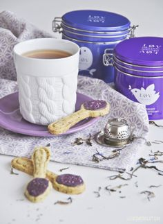 LØV ORGANIC tea and teaspoon cookies http://www.miinto.no/brands/lov-organic