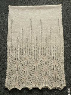 """Freie Anleitung (Download, engl) für den """"Panna Frost Flower""""-Laceschal von foldi-knit"""