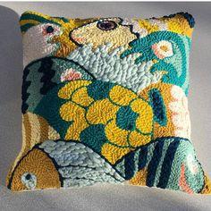 punch needle cushion yellow and teal - FIBER ART Embroidery Patterns, Hand Embroidery, Needle Cushion, Couture Main, Diy Trend, Punch Needle Patterns, Rico Design, Loom Weaving, Rug Hooking