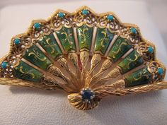 Vintage 18k Gold Enameled Fan Brooch with by VintageJewelries #epiconetsy #etsyspecialt #TIntegrityT @MDFDRetweets @HyperRTs @NightRTs