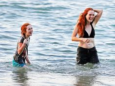 Julianne Moore and 10 year-old daughter Liv in Hawaii, Jan. 2, 2013