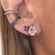 #acessórios Ear Jewelry, Bridal Jewelry, Jewelry Accessories, Fashion Accessories, Fashion Jewelry, Cute Ear Piercings, Body Piercings, Piercing Tattoo, Bling Bling