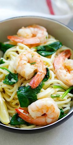Shrimp and Spinach Spaghetti – quick and easy homemade spaghetti with shrimp and spinach in garlic butter sauce. Dinner takes 20 mins | rasamalaysia.com