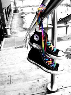 Black and White Color Splash Splash Photography, Color Photography, Black And White Photography, Rainbow Laces, Rainbow Colors, Black And White Colour, Black White Photos, Zapatillas Nike Air Force, Color Mixing