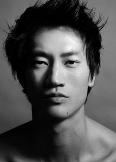 MOTW Philip Huang at SUPA Model Mgmt, London Philip Huang was born in Manhattan but grew up in Cleveland, Ohio. He is one of a growing number of successful Asian models, who with self-belief and… Human Reference, Photo Reference, Poses, Dark Man, Beautiful Men, Beautiful People, The Face, Model Face, Black And White Portraits