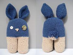 Pippa pop: Eenvoudig patroon om zelf een hip knuffelkonijn te haken Crochet Toys, Knit Crochet, Baby Sewing Projects, Drops Design, Creative Cards, Baby Gifts, Knitted Hats, Projects To Try, Card Making