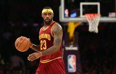 LeBron James Cleveland Cavaliers | La star des Cleveland Cavaliers LeBron James face aux Lakers en match ...