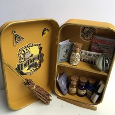 Harry Potter Merchandise, Harry Potter Fandom, Harry Potter Characters, Harry Potter World, Harry Potter Hogwarts, Harry Potter Christmas Decorations, Harry Potter Decor, Harry Potter Houses, Harry Potter Outfits