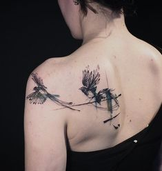 Shoulder A swallow Tattoo is one of birds tattoos which has rich meanings. People love swallow tattoos for both their Swallow Hand Tattoo, Hand Tattoos, Swallow Tattoo Design, Body Art Tattoos, Tattoo Girls, Small Girl Tattoos, Trendy Tattoos, Tattoos For Guys, Magpie Tattoo