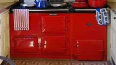 Some wonderful tips and tricks on how to use and enjoy cooking in an Aga oven to enhance your love affair with these beautiful kitchen objects! Aga Oven, Stove Oven, Kitchen Stove, Kitchen Appliances, Best Cooker, Aga Cooker, Beautiful Kitchens, Farm Life, La Cornue