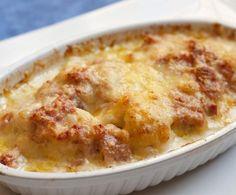 Le patate con besciamella, ottimo piatto indicato per la stagione fredda, porterà sulla vostra tavola un sapore ghiotto e originale.