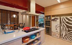 Pitadas gastronômicas no décor. Veja: http://www.casadevalentina.com.br/projetos/detalhes/pitadas-gastronomicas-663 #decor #decoracao #interior #design #casa #home #house #idea #ideia #detalhes #details #style #estilo #casadevalentina #kitchen #cozinha