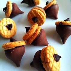Chocolate & Peanutbutter Acorns