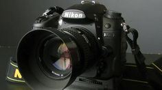 The Nikon D7000 is furnished with an EXPEED cpu, a 921K dot 3 inch LCD present, as well as the gadget can capture motion pictures in high definition. The D7000 by Nikon is also furnished with a rechargeable battery, an 18 to 105 mm VR lens, and also the gadget is a 16.2 megapixel cam.