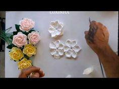 Rosas feitas com o frisador camelia - YouTube
