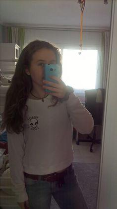 sweatshirt from Pull&Bear, jeans from Shana