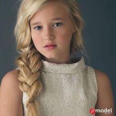 Model: Alyona Hohryakova @alyona.hohryakova.official 11 y