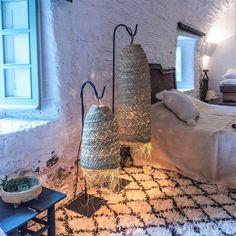 Suspension Tube en Feuille de Palmier – 60 cm – home acssesories Lampe Metal, Deco Boheme, Cool Lamps, Decoration, Floor Lamp, Boho Chic, Wall Lights, Sweet Home, Diy