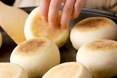 イングリッシュマフィンのレシピ・作り方 - 簡単プロの料理レシピ | E・レシピ