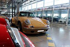 Porsche 911 Beauty Have a nice weekend✌ #911 #porsche911 #911 #porsche #zuffenhausen #instacar #car #retro #nice #old #love #realcar #engine #german #lights #yellow #0711 #07elf #beauty