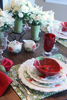 strawberry design dinnerware.Used to have the sugar and creamer. Thanks Peggy!