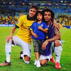 Pin for Later: The World Cup's Hottest Dads Are Even Bigger Stars in the Eyes of Their Kids Marcelo Vieira — Brasil Brazilian left back Marcelo Vieira brought his son, Enzo, on the field to celebrate his team's win last year. Messi And Neymar, Hot Dads, 4 Year Olds, Big Star, Cristiano Ronaldo, World Cup, Children, Kids, Happy Birthday