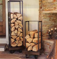 DIY Plumbing Pipe Firewood Holder - easy storage solution for your firewood (even has wheels). Easy Diy Projects, Home Projects, Indoor Firewood Rack, Firewood Stand, Cheap Firewood, Pipe Furniture, Industrial Furniture, Industrial Lamps, Furniture Vintage