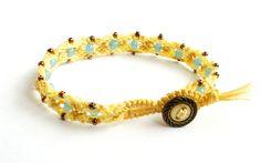 Peer's macramé armband met: geel en licht geel c lon door RabbitPeer