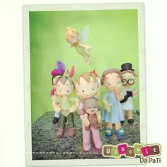 Biscuit da Pati Tinkerbell, Terra Do Nunca, Peter Pan Party, Neverland, Biscuits, Disney, Polymer Clay, Family Guy, Instagram