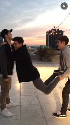 Sam: Jack I got bro, don't fall Jack: I can't hold on much longer, but this is awesome Skate: @!#$ ya'll, I'm done