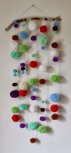 DIY Crafts with Pom Poms - DIY Driftwood Pom Pom Wall Hanging - Fun Yarn Pom Pom Crafts Ideas. Garlands, Rug and Hat Tutorials, Easy Pom Pom Projects for Your Room Decor and Gifts diyprojectsfortee. diy and crafts ideas Kids Crafts, Crafts For Teens, Crafts To Sell, Diy And Crafts, Craft Projects, Arts And Crafts, Easy Crafts, Kids Diy, Sell Diy