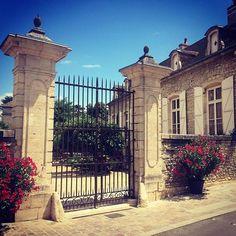 Insta Meursault village #meursault #architecture #cities #bourgogne #burgundy