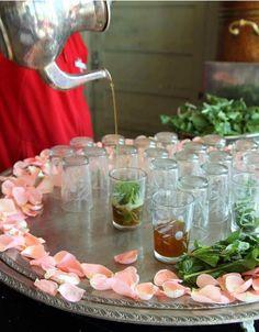 شاي على الطريقة المغربية