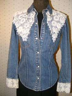 Enchanted Denim Jacket Victorian Lace by ladysslippervintage Denim And Lace, Mode Jeans, Denim Ideas, Denim Crafts, Victorian Lace, Diy Clothing, Recycled Clothing, Denim Outfit, Denim Shirt