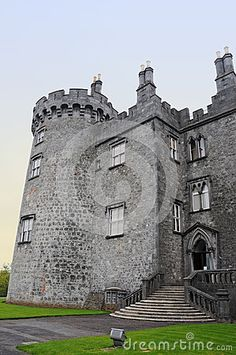 Kilkenny Castle in ireland ,  built in the 12th century*-*.