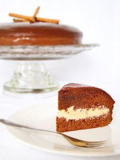 Lulu's Sweet Secrets: Honey Cake with White Brigadeiro Filling Covered with Chocolate Ganache - Bolo Pão de Mel