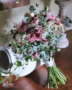 Ramos silvestres para novias de Otoño. Así de bonito fue el ramo en colores frambuesa que hicimos para Bea este sábado. Felices sueños . #jardinmamaana#eljardinflores#eljardinramos#ramo#ramodenovia#flores#flowers#floral#floralfridaycompetition#bouquet#bridebouquet#bridalbouquet#bride#eljardinbodas#bodasbonitas#colireadeotoño#fall#autumn#wedding#bodas