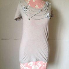 J.Crew Short Sleeve 100% Cotton Floral Sculpted Light Grey Scoop Neck Shirt XS #JCrew #Blouse #Casual