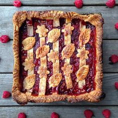 This Rhubarb Raspberry Pie recipe is featured in the Pie Crust Inspiration feed along with many more. Square Pie, Pie Decoration, Jam Tarts, Raspberry Tarts, Pie Shop, Biscuits, My Dessert, Cream Pie, Pie Recipes