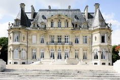 French castles, castle in the sky, french architecture, grand homes, mansio Porte Photo Mural, French Castles, Fantasy Castle, Castle In The Sky, Le Palais, Grand Homes, Classic Architecture, Mansions Homes, Beautiful Castles