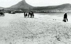 Picture Story: Cape Town as it was - a trip down memory lane Old Pictures, Old Photos, South Africa Beach, Global Holidays, Beach Buggy, Beach Road, Picture Story, Most Beautiful Cities, Vintage Photographs